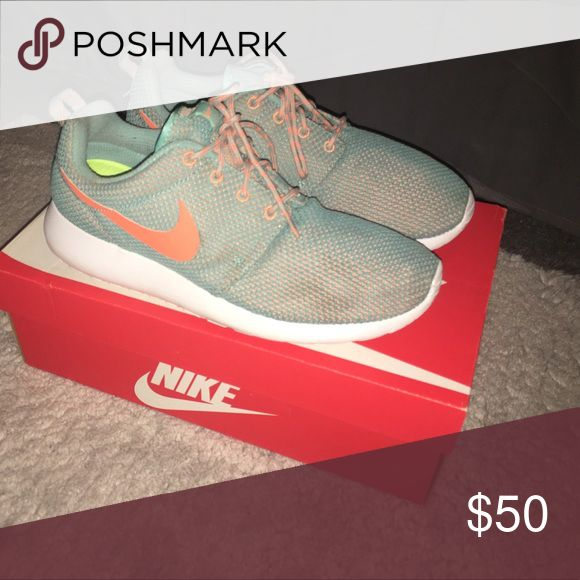 WMNS Nike Rosherun Jade , orange , white Nike Shoes Sneaker