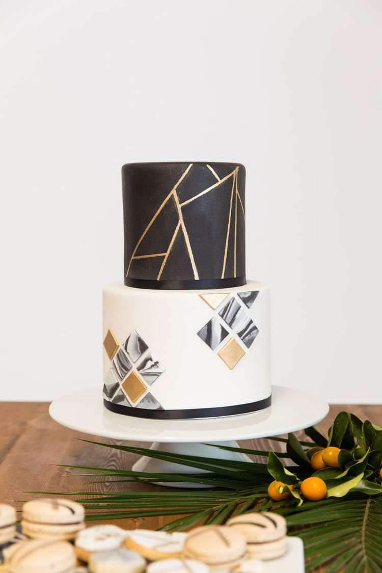 jenny wenny cakes two tier modern mod chic black white and gold geometric wedding cake