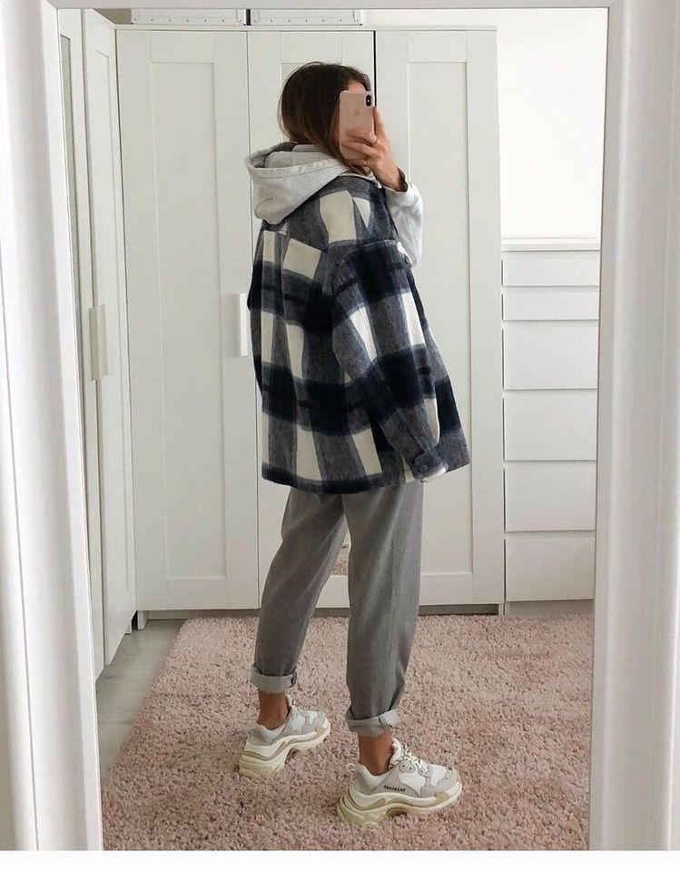 Plaid jacket, grey pants - CoolLadies.net