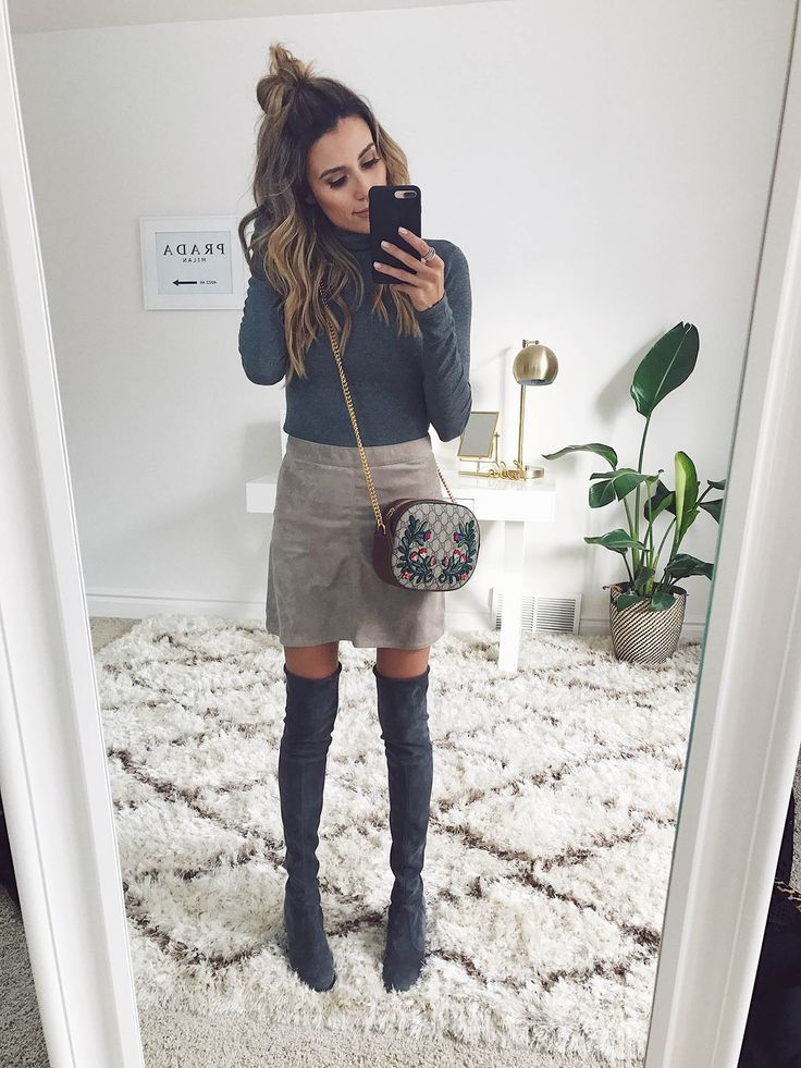 New Video: 7 Fresh Ways to Wear A Turtleneck | Hello Fashion. Grey turtleneck sweater+beige skirt+grey over the knee boots+embroidered chain crossbody bag. Winter Casual Outfit 2017