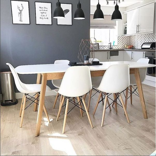 863ee284b7d Aver Oak and White Extending Dining Table