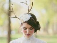 Antler centerpiece and decor ideas. #antlers #antlercenterpieces #weddingdecor