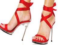 Step around town with these fabulous shoes. Everyone will be following you!
