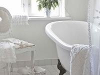 deeAuvil Bathtubs & Showers