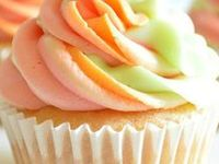 CUPCAKE Dreams / I love cupcakes......not just to eat......the visual presentation of a real or digital cupcake always brings a smile to my face and satisifies my visual appetite.....YUM!