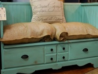 DIY: UpCycling Furniture