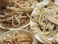 Pearls are so elegant. They go with everything, even jeans. My Mother-in-law bought me a strand of pearls and they are my most prized possession. I miss her dearly.