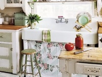 Shabby chic, vintage, cozy & country dreaming. . .