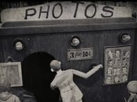 P h o t o g r a p h y / Photographic picture taking.