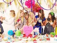 Love a good theme party!!