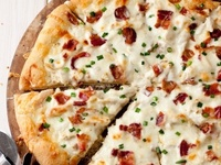 Pizzas & Cheese Breads