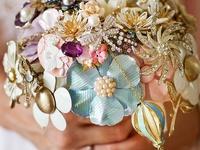 Brisbane Bride Magazine + www.ontrendbridal.com.au celebrate beautiful bouquets and floral arrangements x