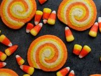 Love candy corn....mainly the color combo...so here are ways to use it and things to make that look like candy corn!