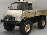 Trucks (the bigger the better!) & military vehicles