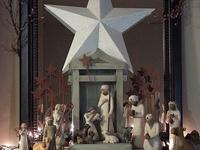 Advent Calendar and Wreath Ideas as well as Beautiful Nativity Scenes...
