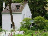 Home decor cottage charm on pinterest cottages for Cottage charm farmhouse