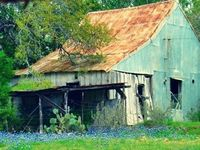Don't ya just love old barns? So much a part of American history.....