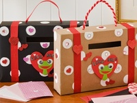 Crafts and gifts the kids can make at school with classmates. Give the teacher a break. #superroommom