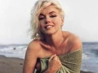 """""""An actress in not a machine, but they treat you like a machine. A money machine."""" - Marilyn Monroe  """"I don't mind making jokes, but I don't want to look like one"""" - Marilyn Monroe"""