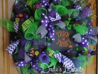 Ideas for wreaths- likes, colors, themes... Some are even 'Don't do this!'