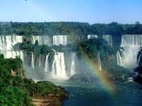 Cataratas, cascadas, rápidos, rios, fuentes, glaciares, piletas y caídas de agua naturales y artificiales