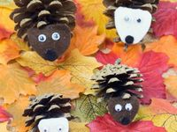 Kids Crafts / Our board shares fun seasonal craft ideas and everyday inspiration. Creating things with little ones is so rewarding. Messy but good. Enjoy! | www.babaandboo.com