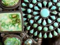 turquoise |ˈtərˌk(w)oiz| noun 1 a semiprecious stone, typically opaque and of a greenish-blue or sky-blue color, consisting of a hydrated hydroxyl phosphate of copper and aluminum.