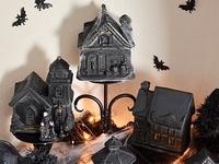 citrouilles, sorcières et chats noirs... fantômes, monstres et zombies... décors pour la maison ou le jardin... mais aussi confiseries et leurs emballages, plats et boissons, costumes, bref, tout ce qu'il vous faut pour Halloween et que vous pourrez créer vous-mêmes est réuni ici !