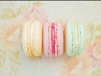 Macarons.  A photographic, mouthwatering macaron lovers paradise!