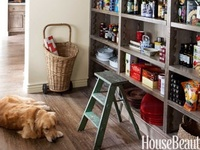Have you ever noticed how often dogs (and dog-themed art) are featured in great home and garden design?  Designers love their dogs as much as beautiful design!