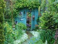 Greenhouses & Hideaways