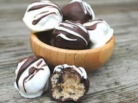 Nom Nom Nom on Pinterest   Chocolates, Cookie Dough Truffles and Bake ...