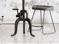 Furniture :: Tables