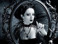 These are a few of my favorite thingsssss.... I love, love, love Gothic/ Victorian style!!!