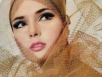 ★1960s make-up fashion ★ vintage cosmetics ★ the 60s were an experimental decade ★ make-up style featured a lots of pastels, heavy eye-makeup, false eyelashes, usually pink or pale lipstick ★ white lipstick was in vogue for a time ★