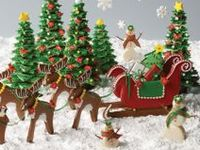 Christmas cakes, cookies, mini cakes, cup cakes, cake pops, cake balls, cake toppers