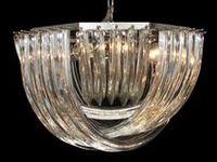Lustre Vintage en verre de Murano / #Lustre en verre de #Murano travaillé a la main avec l'art millénaire des maitres de #Murano. Chaque article peut être personnalisé selon votre gout à travers la sélection des couleurs et du nombre de lumières.