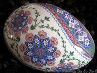 Eggs 'n art