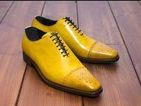 Hand Finish Collectie / Behalve maatschoenen presenteert Duyf sinds 2012 ook een Hand Finish schoenen collectie. U kunt zelf de kleur van de schoenen bepalen. Het begint met een blanke schoen, waar Duyf met behulp van een eigen ontwikkelde techniek de kleur in aanbrengt. Zo is elk paar Duyf hand finished uniek! De modellen zijn uitgevoerd in blank kalfsleer, met als maakwijze Blake Rapid. Duyf Hand Finished is verkrijgbaar in maat 39 - 46.