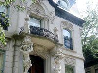 Balconys.