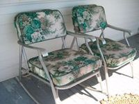 The rustier the better! I love it all ~ I have an agreement with my daughter that every time she buys a new jacket, I get to buy a new vintage garden chair (or two)!