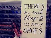 I absolutely love shoes... and shopping... and shoe shopping!