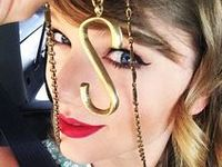 """""""I write songs that are like diary entries. I have to do it in order to feel sane.""""  ~Taylor Swift ~"""