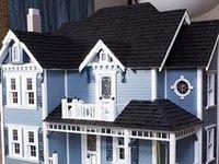 Doll Houses/Miniatures, etc