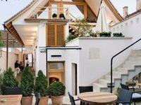 Restaurante din Romania / O selecție a celor mai frumoase restaurante românești, remarcabile prin calitatea arhitecturii şi a amenajărilor interioare.