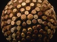 Los tapones de corcho no solo sirven para tapar una botella de vino. Aquí os damos ideas de que hacer con ellos una vez que la botella esté vacía.