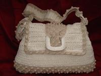 A selection of #Crochet bags & purses I like. Visit my website for my own originally designed FREE crochet patterns www.patternsforcrochet.co.uk