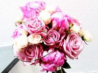 Wedding Flowers / Sensational flowers for wedding. Everything from bridal bouquet and button holes to table flowers.