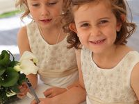 Wedding Photography Bridesmaids and Flower Girls / All things bridesmaid and those cute little flower girls.