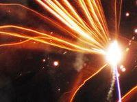natureza com rasgos de luz / Objetiva  - fotos de luz (fogo de artifício sobre a praia), são rasgos de luz...  S. Pedro de Moel